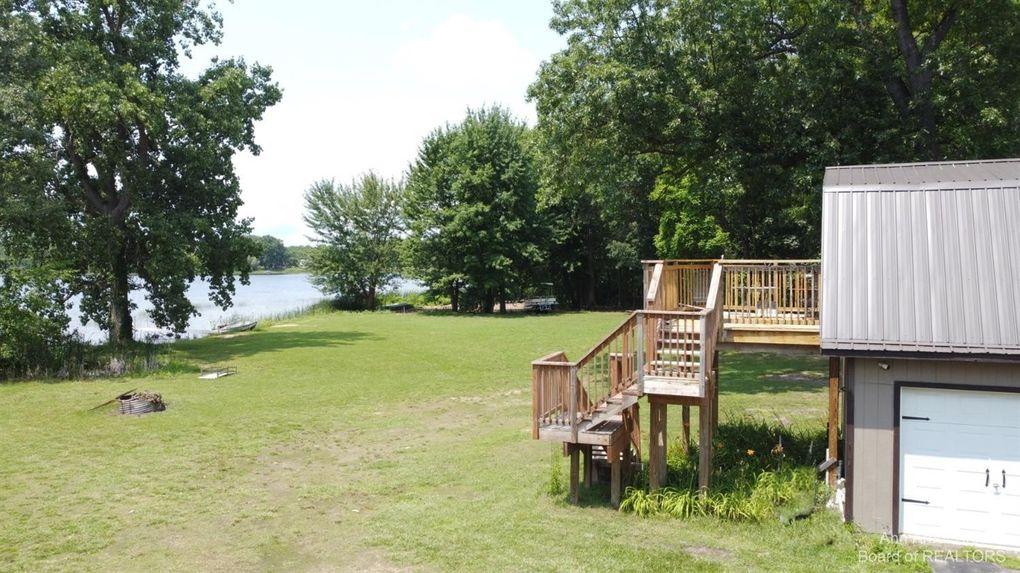 9474 Sandlewood Ct Whitmore Lake, MI 48189