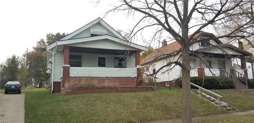 5224 Roseside Dr Parma, OH 44134