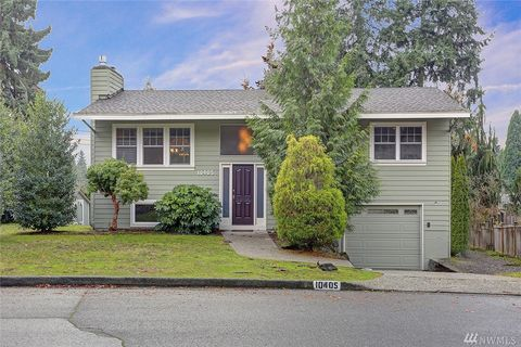 Photo of 10405 Ne 142nd St, Kirkland, WA 98034