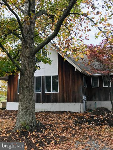 Photo of 1811 Harbor Dr, Chester, MD 21619