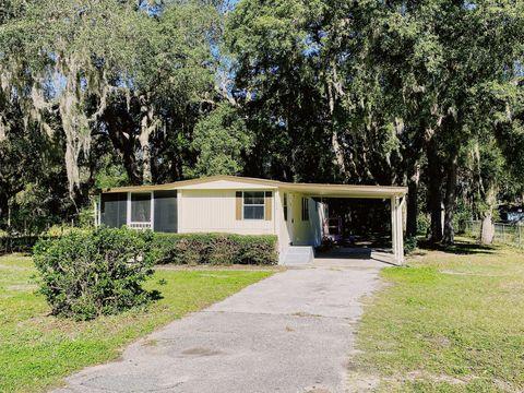 Photo of 108 Sawyer St, Interlachen, FL 32148
