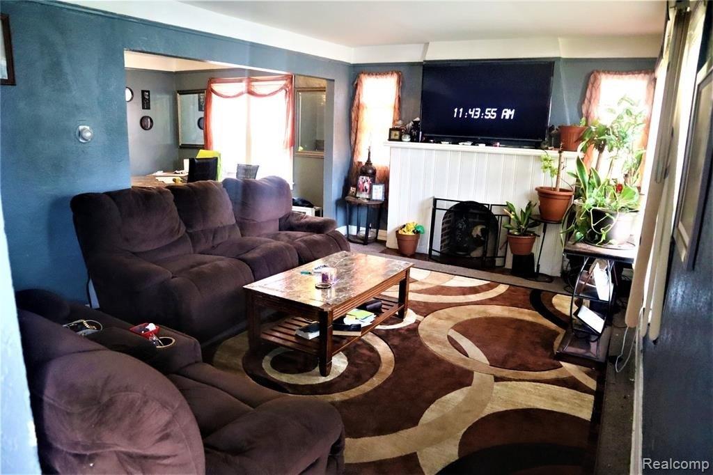 16286 Mendota St Detroit Mi 48221, Used Furniture Detroit Mi