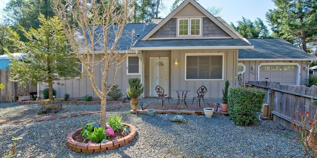 433 Addison Ln Cave Junction, OR 97523
