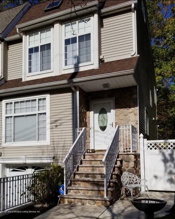 27 Wolcott Ave Staten Island Ny 10312 Realtor Com