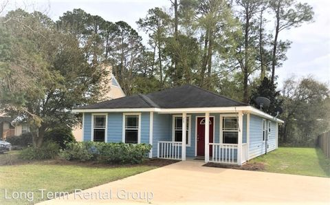 Photo of 805 E 23rd Ave, Gulf Shores, AL 36542