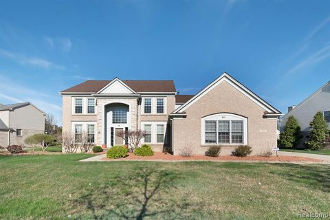 Photo of 317 Queen Anne Dr, Canton Township, MI 48187