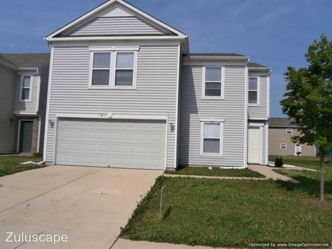 Photo of 10893 Woods Dr, Ingalls, IN 46048