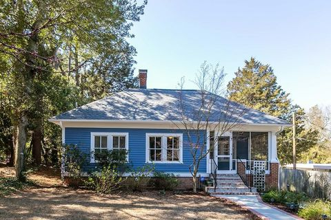 Photo of 340 E New Hampshire Ave, Southern Pines, NC 28387