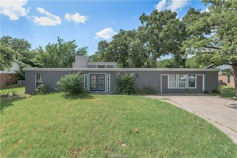 Photo of 1013 Guadalupe Dr, College Station, TX 77840
