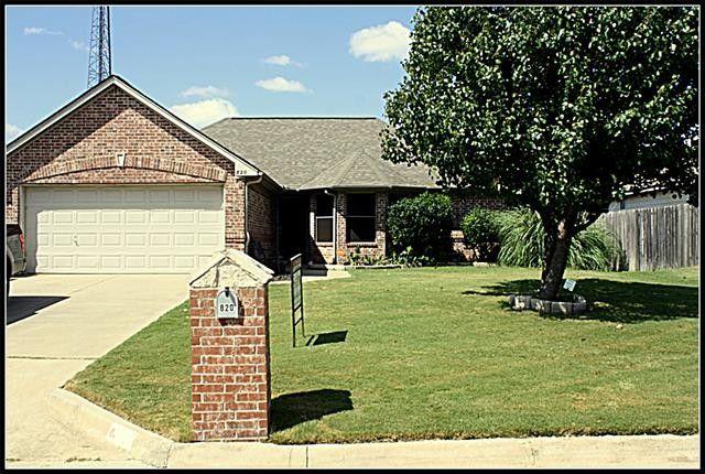 820 Greenview Ct Aubrey, TX 76227
