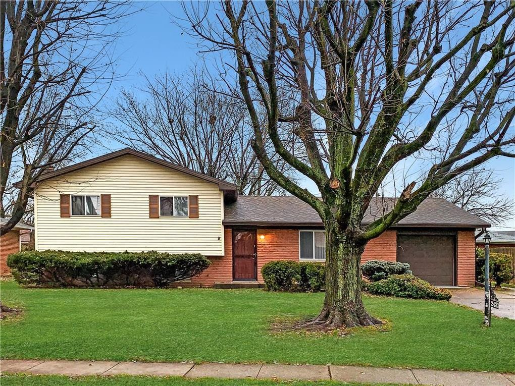 2433 Constellation Dr Indianapolis, IN 46229