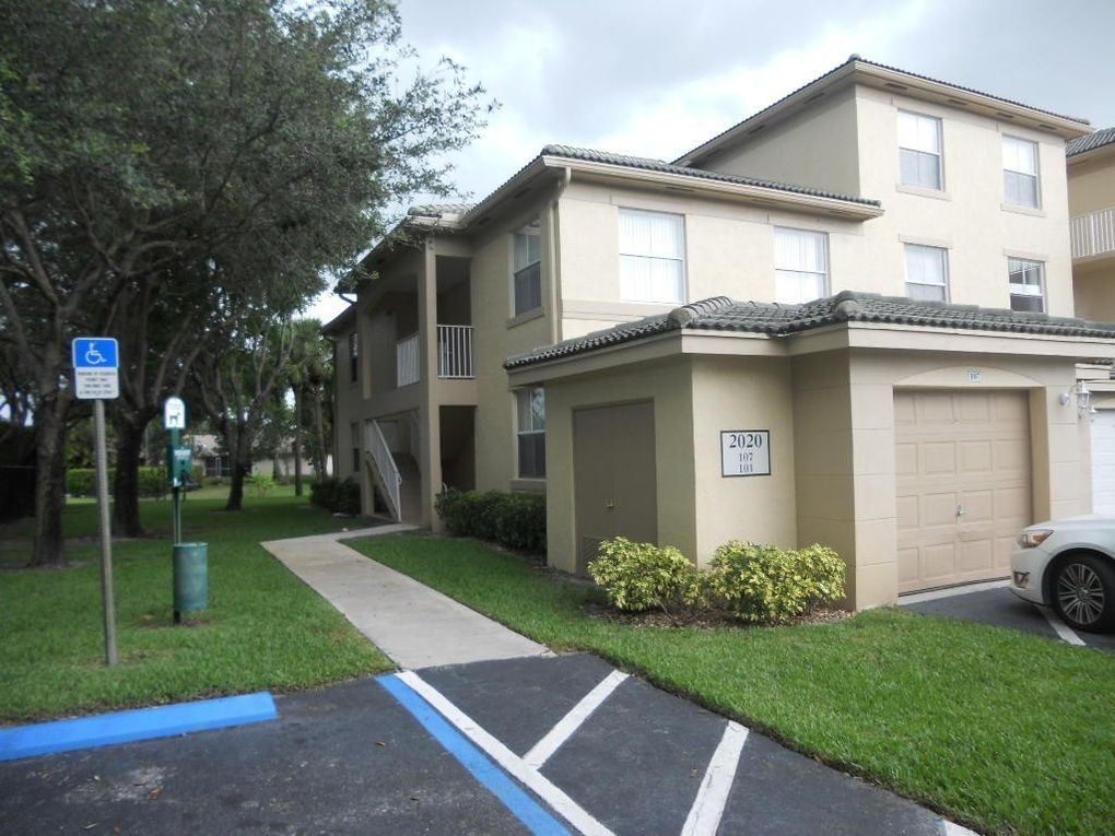 2020 Greenview Shores Blvd Apt 107 Wellington, FL 33414