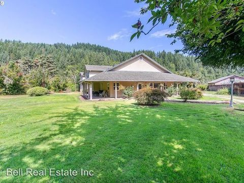 Photo of 89824 Greenwood Dr, Leaburg, OR 97489