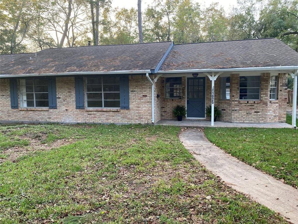 1025 Shady Oak Ln Dickinson, TX 77539