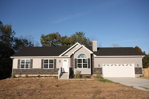 Photo of 1302 Clifty Church Dr, Leitchfield, KY 42754