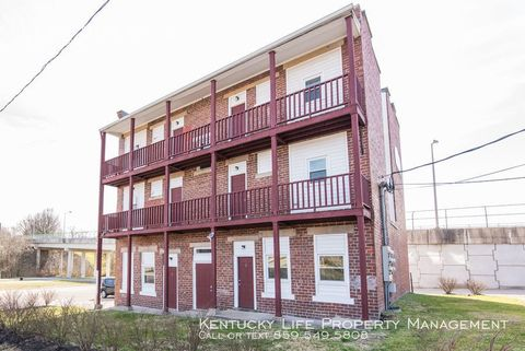 Photo of 117 S Bank St Apt 2, Mount Sterling, KY 40353