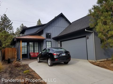 Photo of 1109 N Forest Edge Dr, Sisters, OR 97759