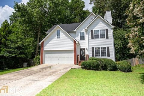 Photo of 7010 Valley Forge Dr, Flowery Branch, GA 30542