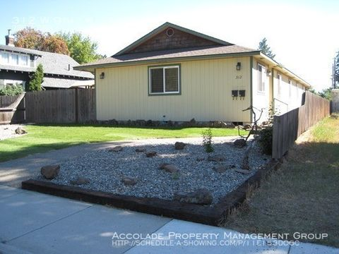 Photo of 312 W 9th Ave Unit B, Ellensburg, WA 98926