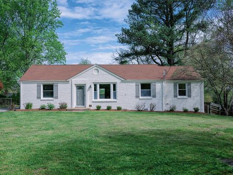 Photo of 512 Brentlawn Dr, Nashville, TN 37220