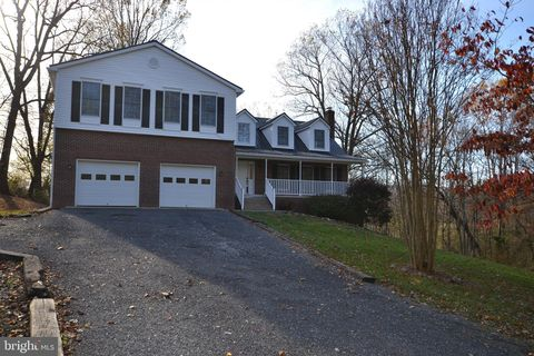 Photo of 13443 Hume Rd, Hume, VA 22639
