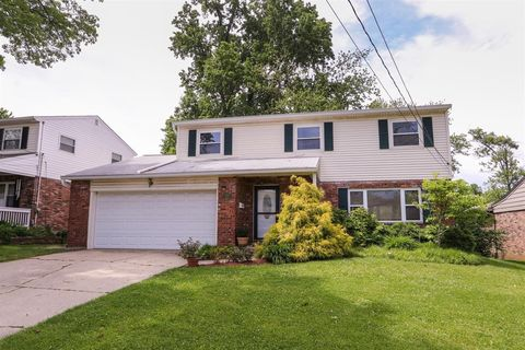 Photo of 1135 Oldwick Dr, Reading, OH 45215
