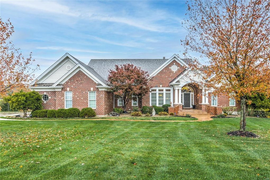 15 Avondale Meadows Ct Wentzville, MO 63385