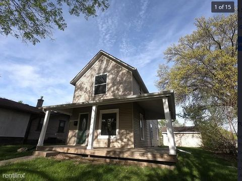 Photo of 3115 3rd St, Des Moines, IA 50313