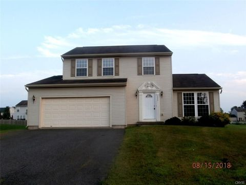5555 Cairns Trl, Liverpool, NY 13041