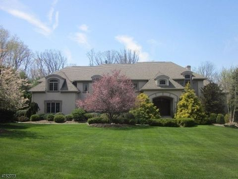 7 Stratford Ct, Warren Twp, NJ 07059