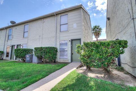 8721 Village Of Fondren Dr, Houston, TX 77071