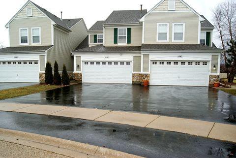 1444 White Pine Ln, Bolingbrook, IL 60490