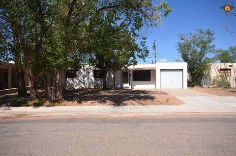 916 Sage Ave, Grants, NM 87020