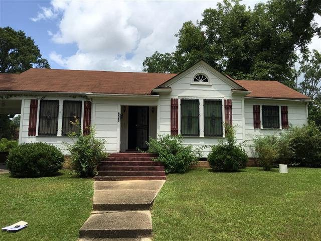 417 e chickasaw st brookhaven ms 39601 for Home builders mississippi