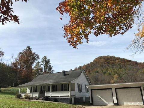 927 Mountain Creek Rd, Robbinsville, NC 28771