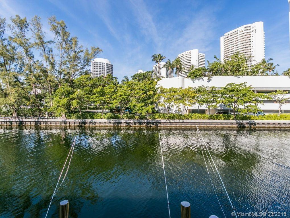 3745 Ne 171st St Apt 57, North Miami Beach, FL 33160