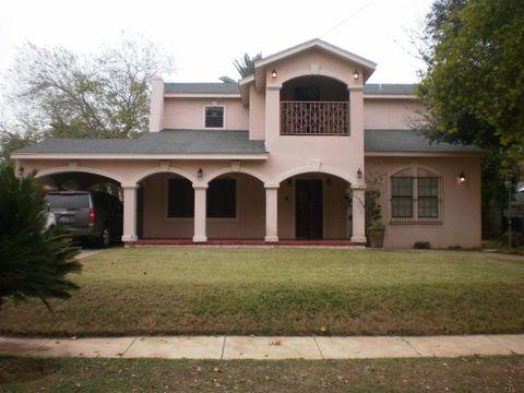 Homes for sale near mier st laredo tx for Laredo home builders