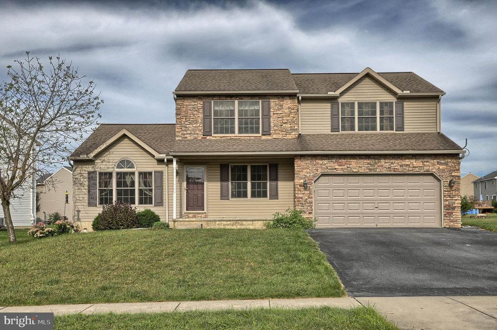 132 Twin Creeks Dr Jonestown, PA 17038