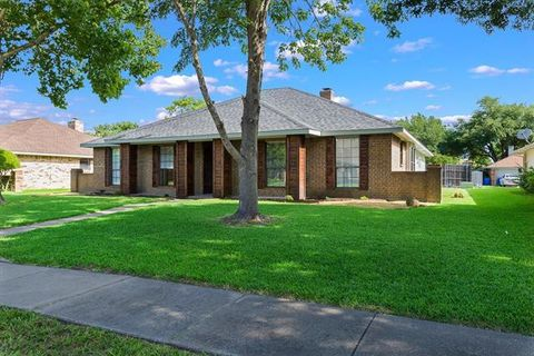 Photo of 3605 Malinda Ln, Rowlett, TX 75088