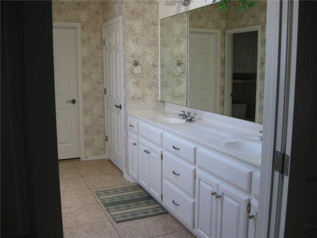 Bathroom Remodel Norman Ok 3605 ladybank ln, norman, ok 73072 - realtor®