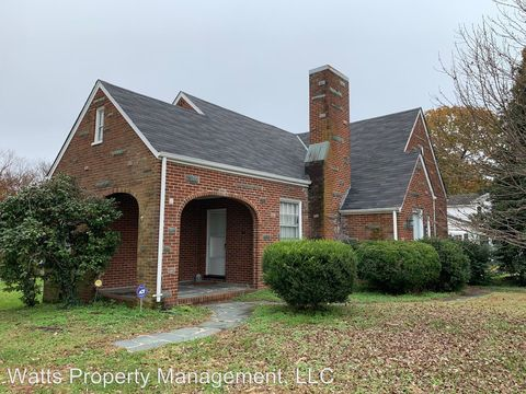 Photo of 808 Lynchburg Ave, Brookneal, VA 24528