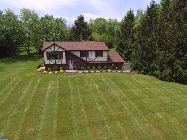 711 n manor rd elverson pa 19520 home for sale and
