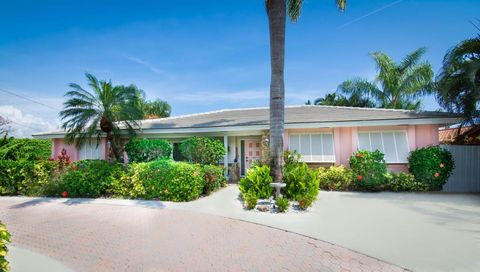 1685 Bowood Rd, North Palm Beach, FL 33408