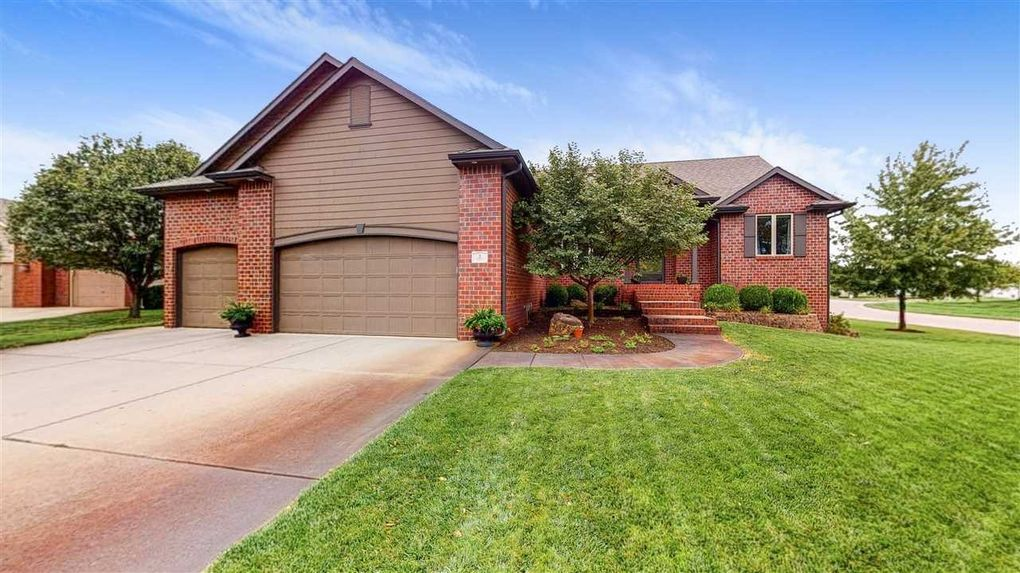 2 N Maple Ct Valley Center, KS 67147
