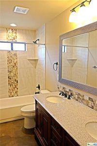 152 Fort Donelson Dr Belton Tx 76513 Bathroom