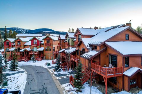 Photo of 1040 Bear Trl, Winter Park, CO 80482