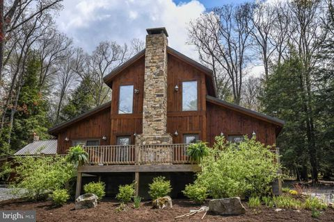 Photo of 658 Lake Shore Dr, Oakland, MD 21550