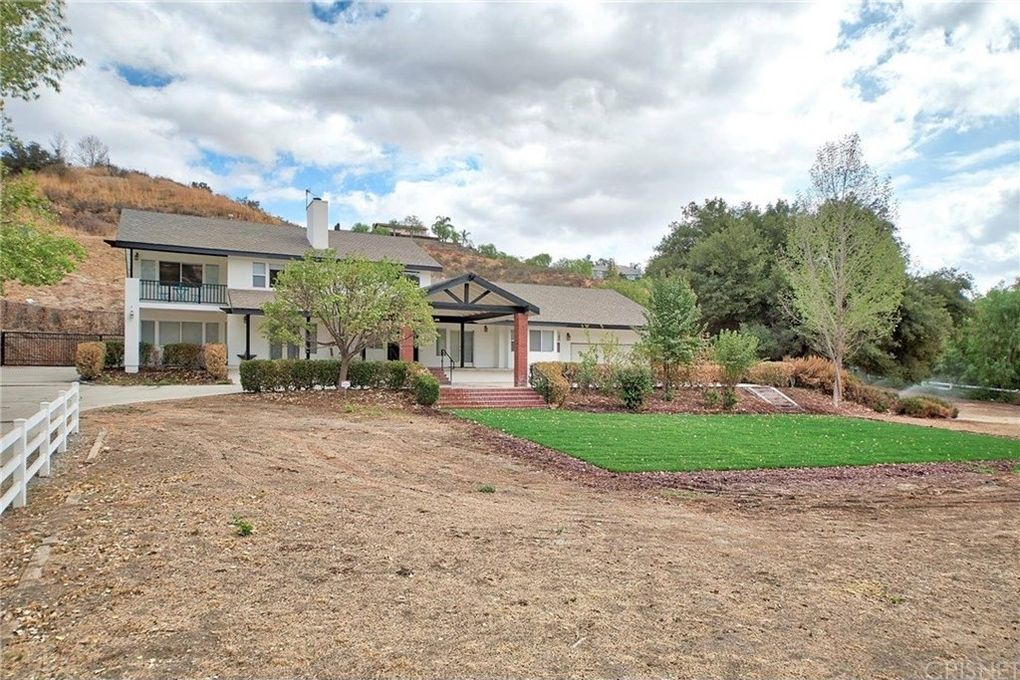 30585 Hasley Canyon Rd, Castaic, CA 91384