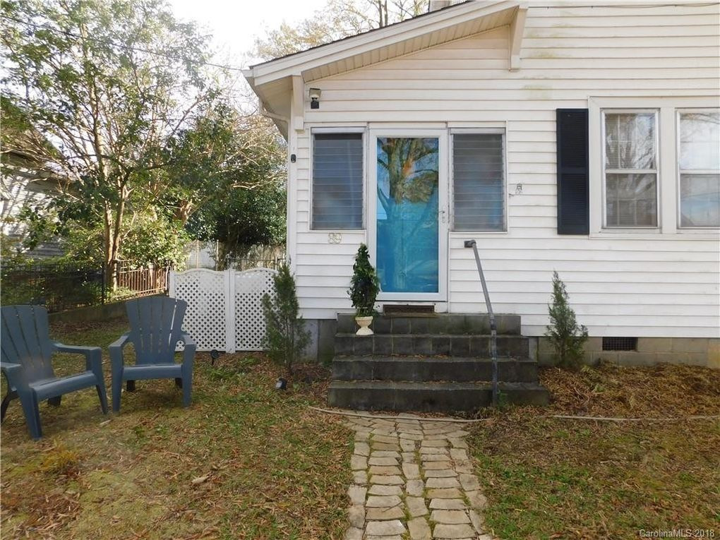 89 Maple St Badin, NC 28009