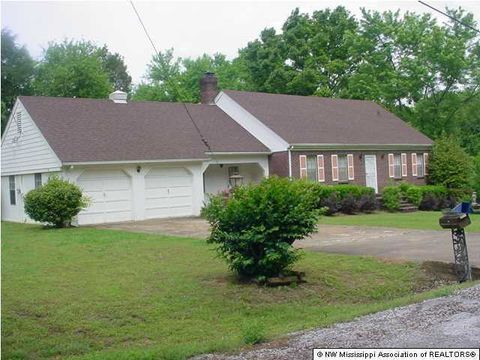 Photo of 136 Weaver Rd, Holly Springs, MS 38635